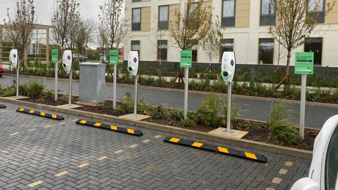 'Express' pre-bookable EV charging arrives in UK