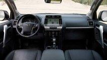 Toyota Land Cruiser 2021 Black Pack