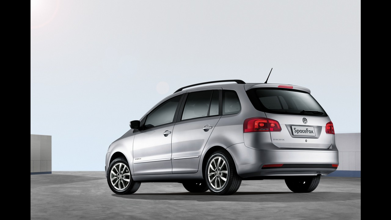 Volkswagen SpaceFox chega à linha 2013 com novos itens de série e preços a partir de R$ 42.159