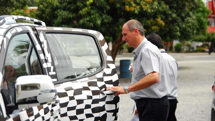 Chevrolet teases the 2012 Colorado