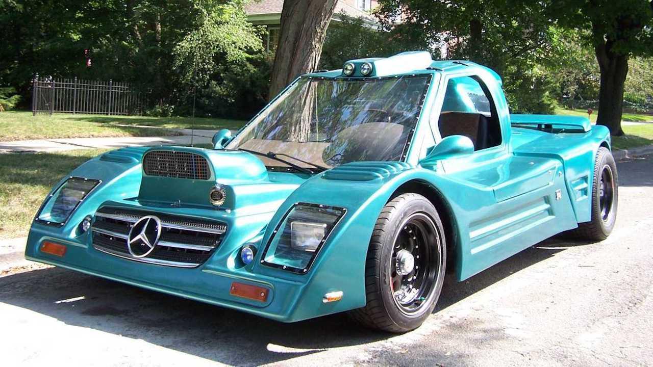 Selbstgebautes Mercedes C8-Rennauto steht zum Verkauf.