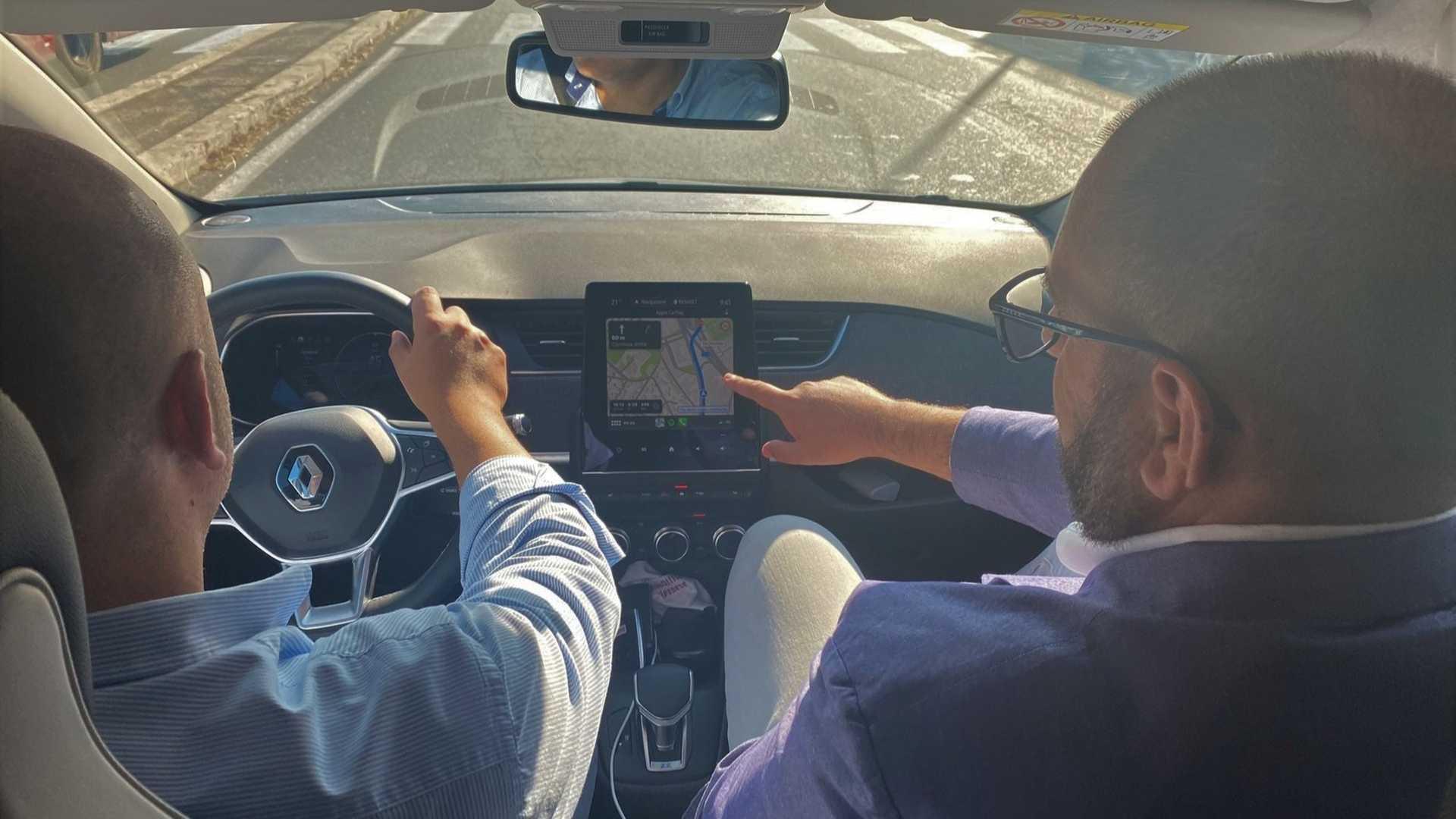 Nuovi incentivi e più informazione: il M5S spinge sull'auto elettrica