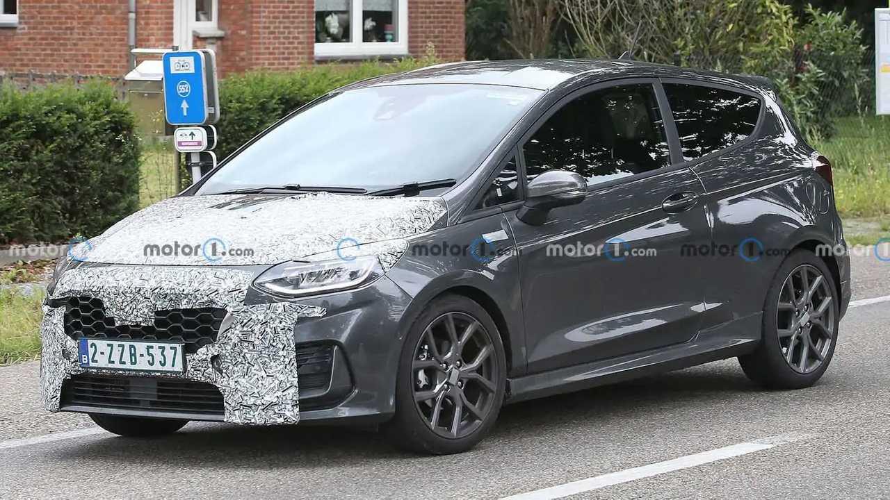 New Ford Fiesta spy shots.