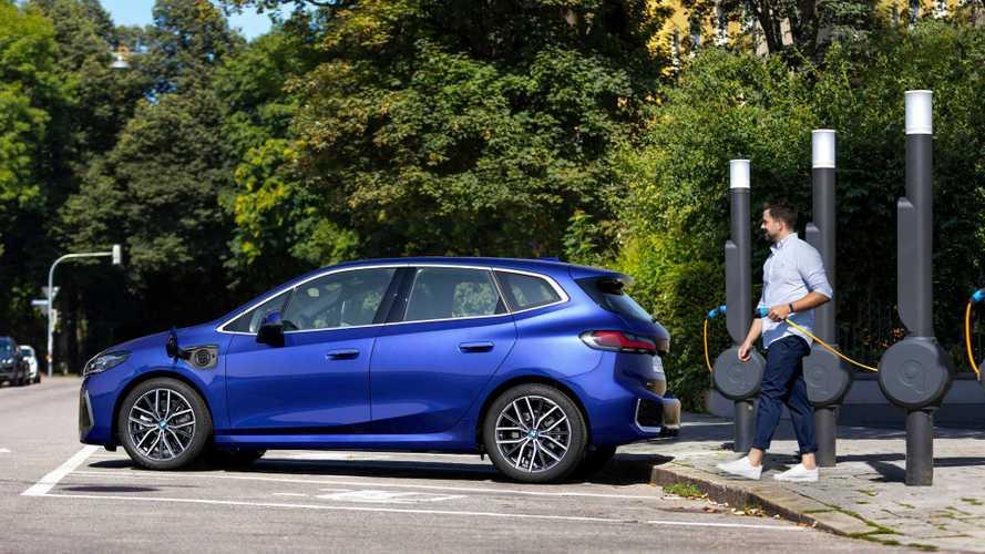 BMW Seri 2 Tourer PHEV Dibekali Jangkauan Listrik 80 Km