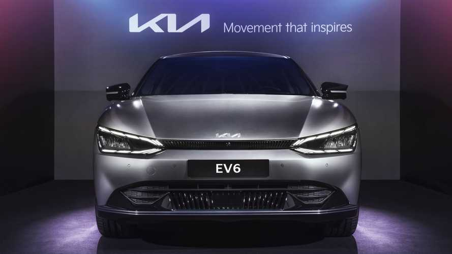 Kia представила в России электрический кросс-хэтч EV6