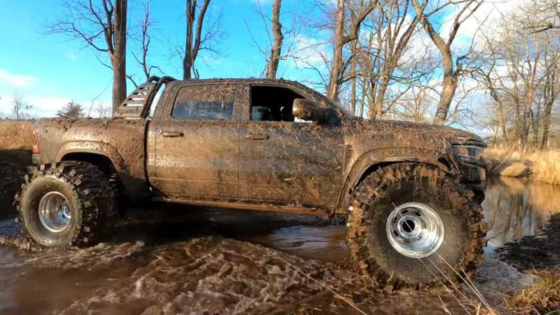 Ram TRX подойдет для 44-дюймовых грязевых шин, если вы не заботитесь о поворотах