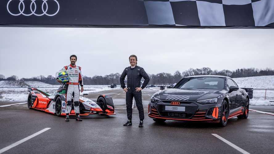 Superesportivo Audi RS e-tron GT encara um Fórmula E na arrancada - vídeo