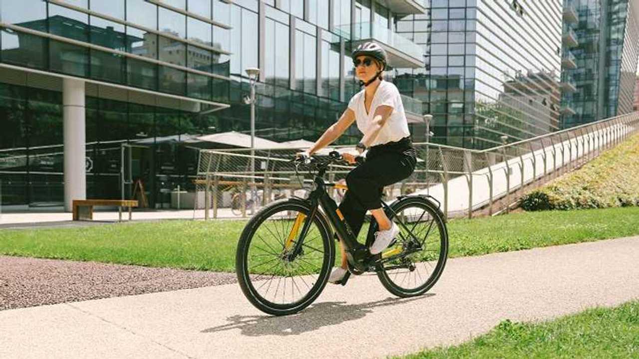 Pirelli CYCL-e around per le aziende