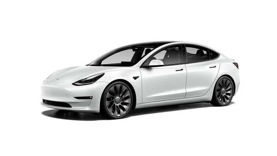 Fransa'da Ağustos ayında zirve Tesla Model 3'e ait!