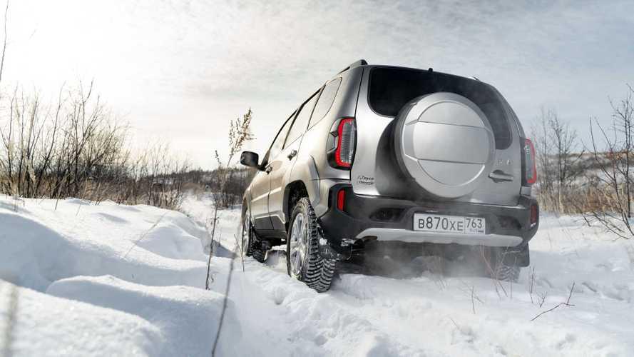 ¿Cómo va el todoterreno barato Lada Niva Travel en conducción 4x4?