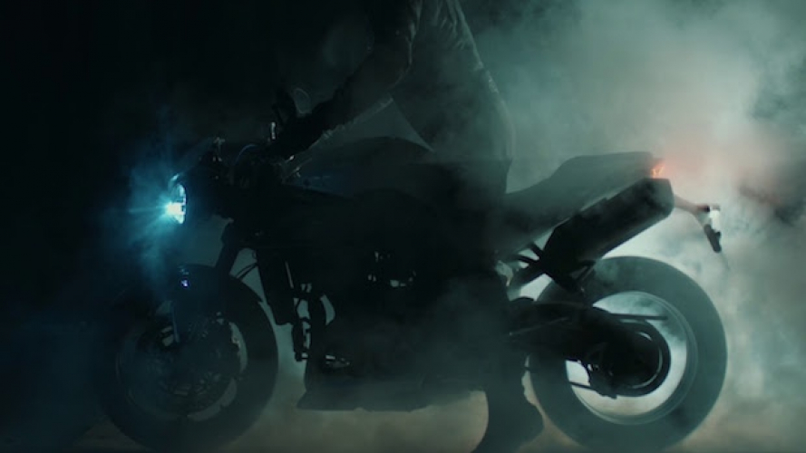 Nuova Triumph Speed Triple: un video teaser ne svela le forme
