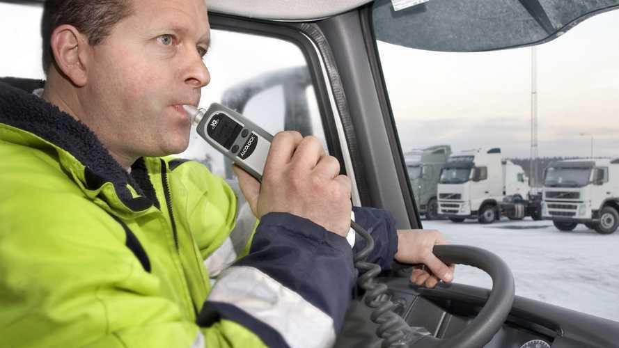 Alcoholímetros instalados en el coche, ¿la solución en España?