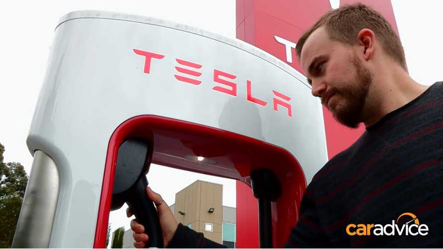 Tesla Model S: From Sydney To Melbourne On Superchargers - Video