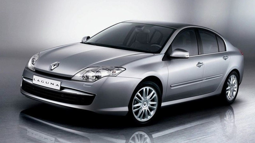 New Renault Laguna Pics Surface 2 Days Ahead of Launch