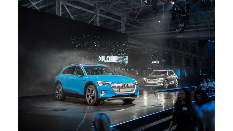 Audi e-tron: Video Round Up Plus Live Images