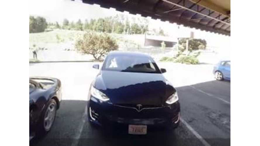 Bill Gates Drives A Tesla Model X - Video Interview With