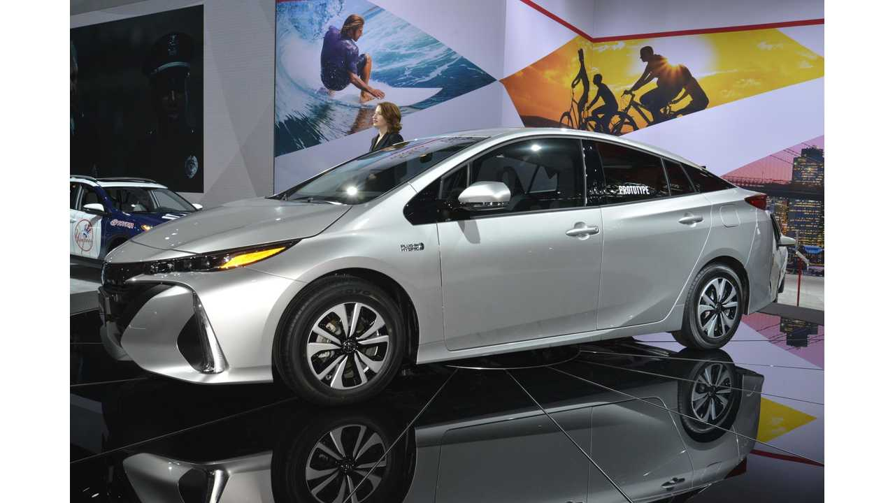 2017 Toyota Prius Prime (Plug-In) Overview With Tons Of Photos And Videos