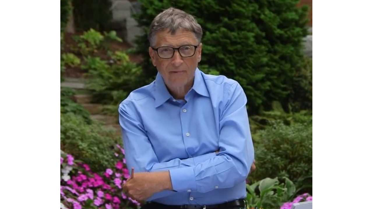 Elon Musk Is Challenged To Dump Ice Water On His Head by Bill Gates - Video