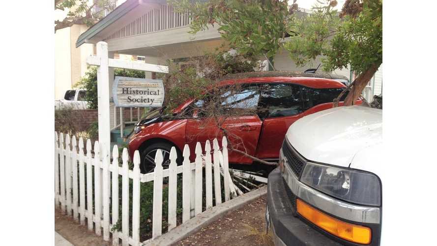 BMW i3 Knocks Down A Fence To Become Part Of History