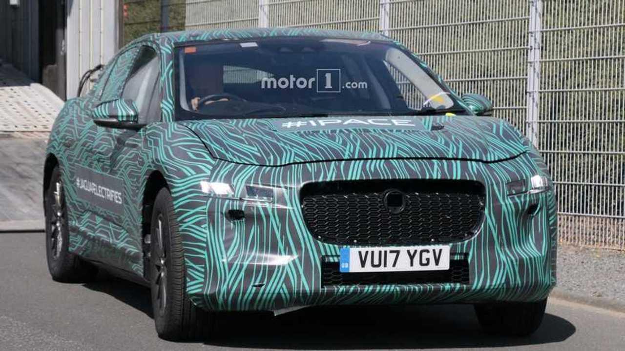2018 Jaguar i-pace spyshot via Carpix 1