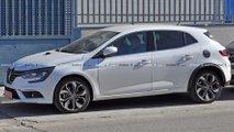 Renault Megane Hybrid (2020) Erlkönig erwischt