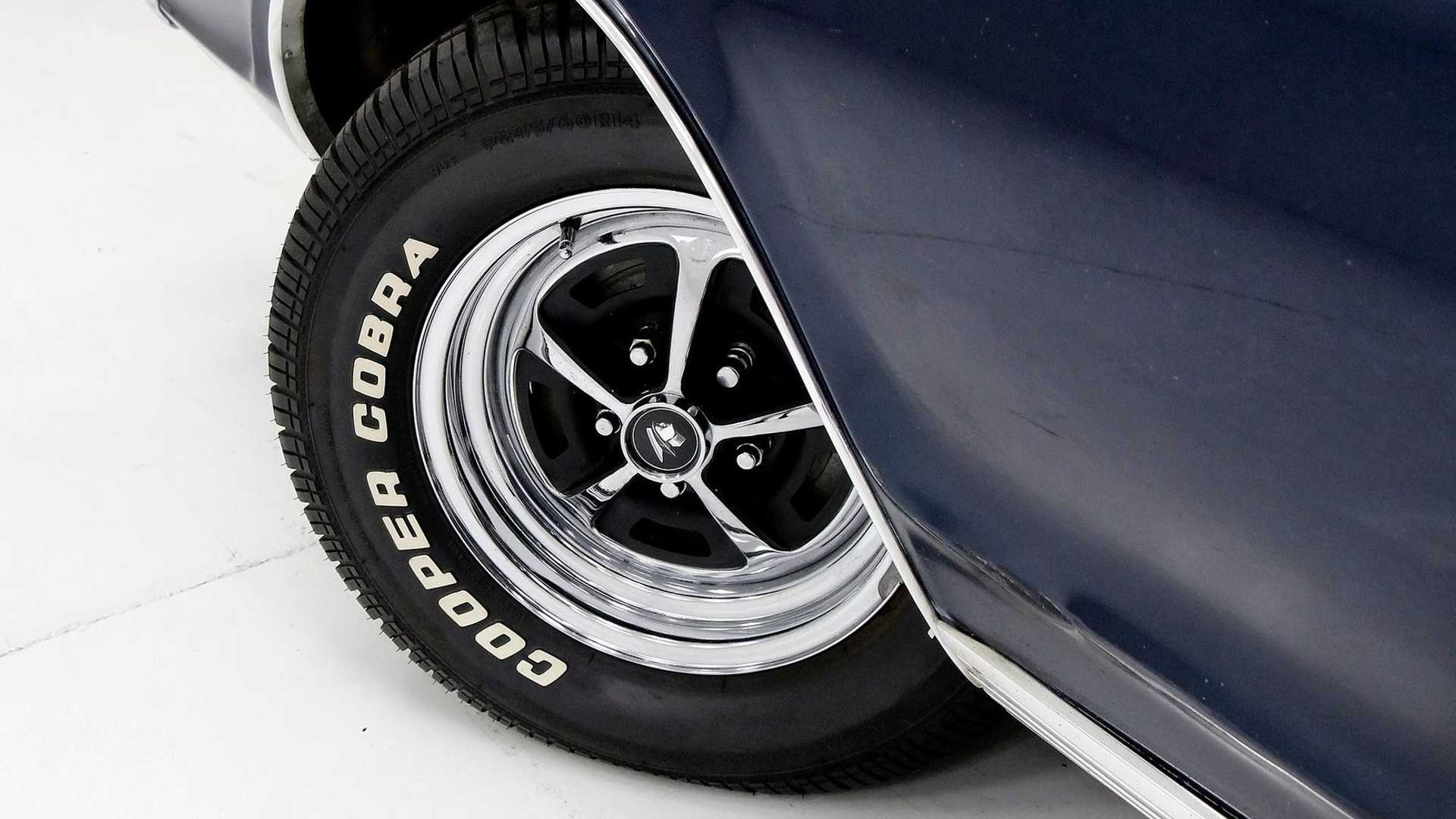 """[""""1967 Mercury Cougar XR-7 Is A Stealthy Cat""""]"""