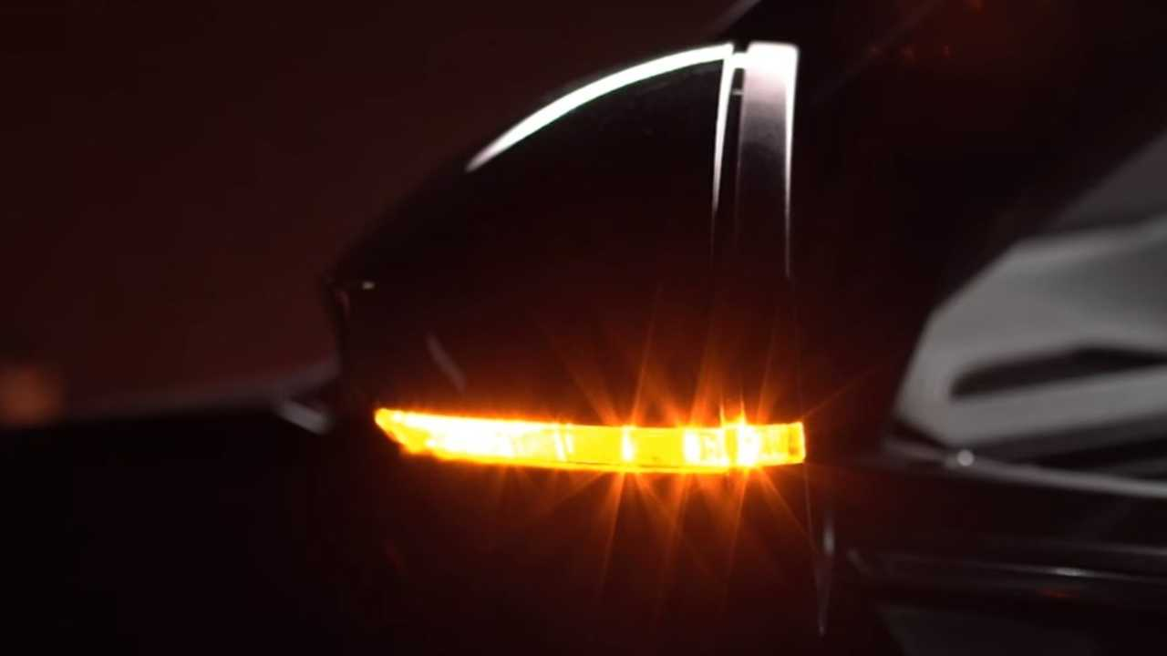 Skoda Superb facelift teaser