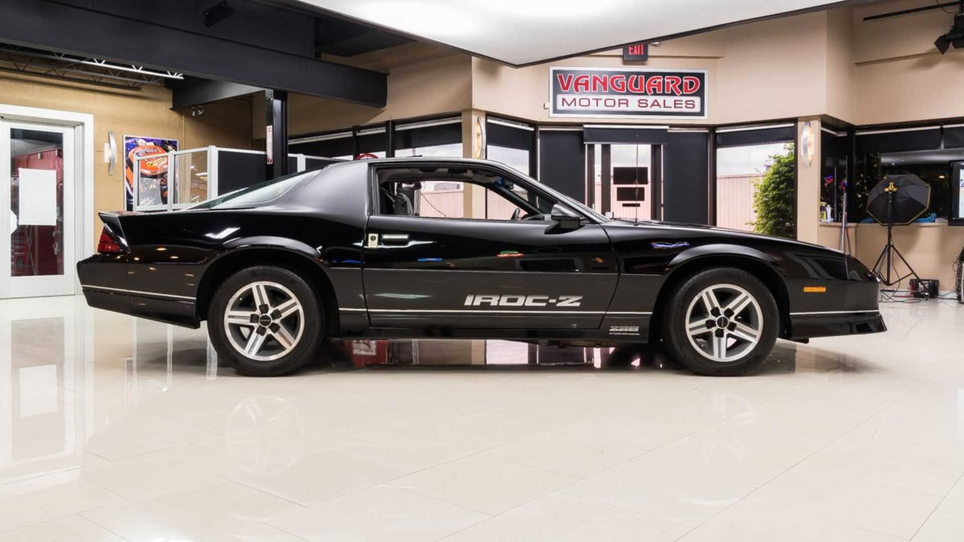 "[""1987 Chevrolet Camaro IROC Z28 Helps You Relive The Glory Days""]"