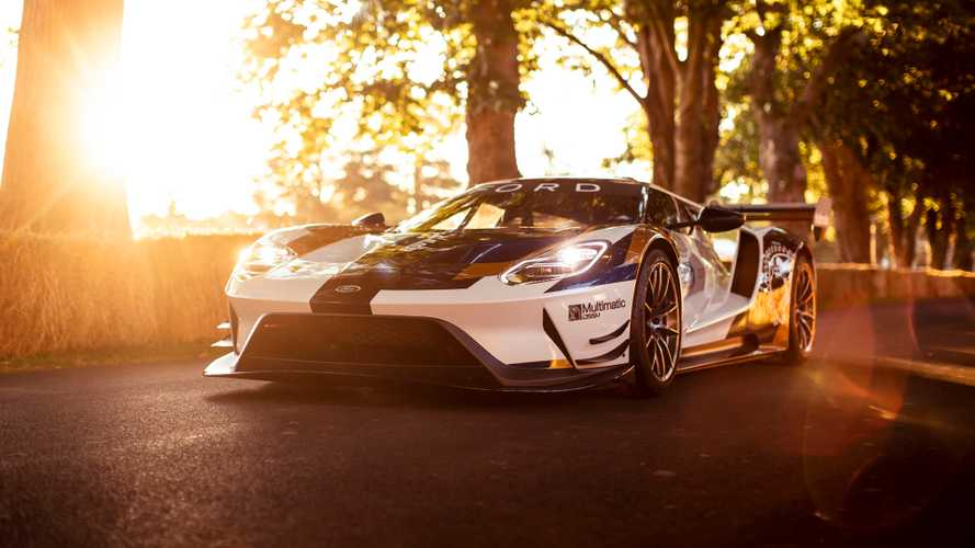 Ford GT Send-Off Model May Include Roof Scoop, Fender Vents