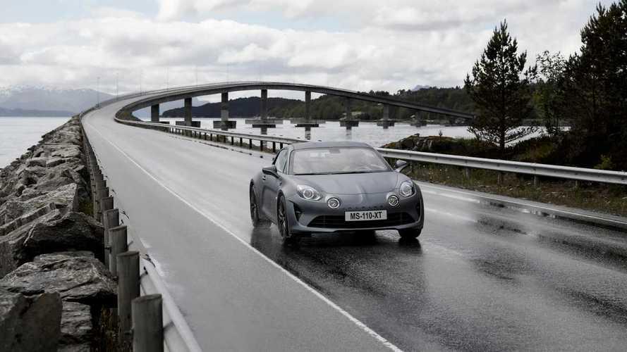 Videó: Ezzel a körrel utasította maga mögé a Porsche Panamera GTs-t az Alpine A110S