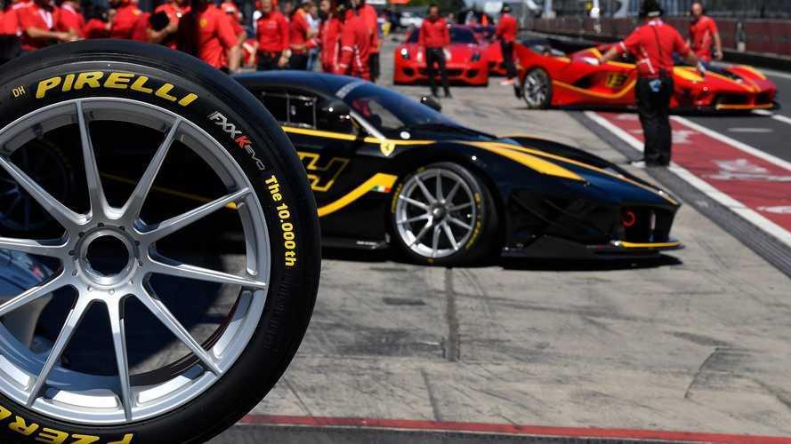 Türkiye'de üretilen 10 bininci Pirelli P Zero lastik Ferrari etkinliğinde