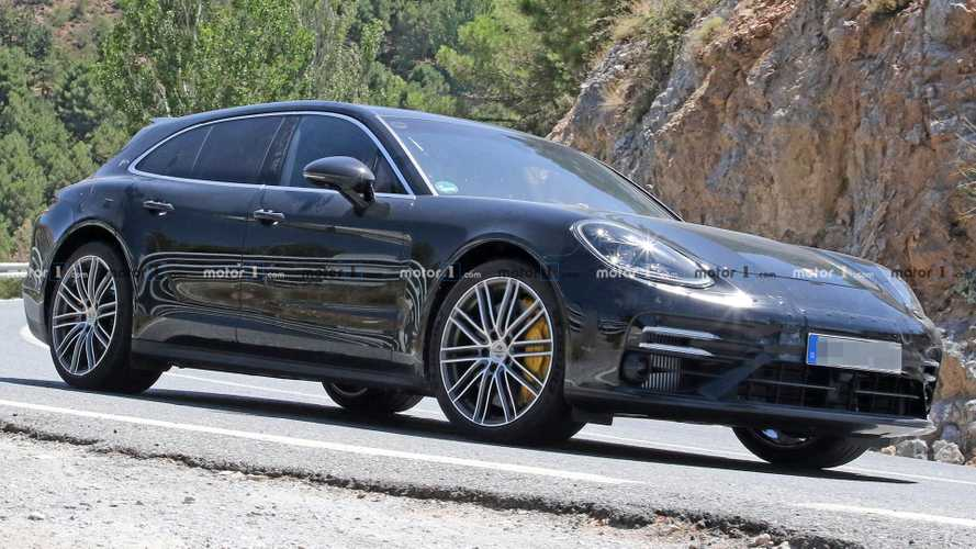 Facelifted Porsche Panamera Sport Turismo Spied While Testing
