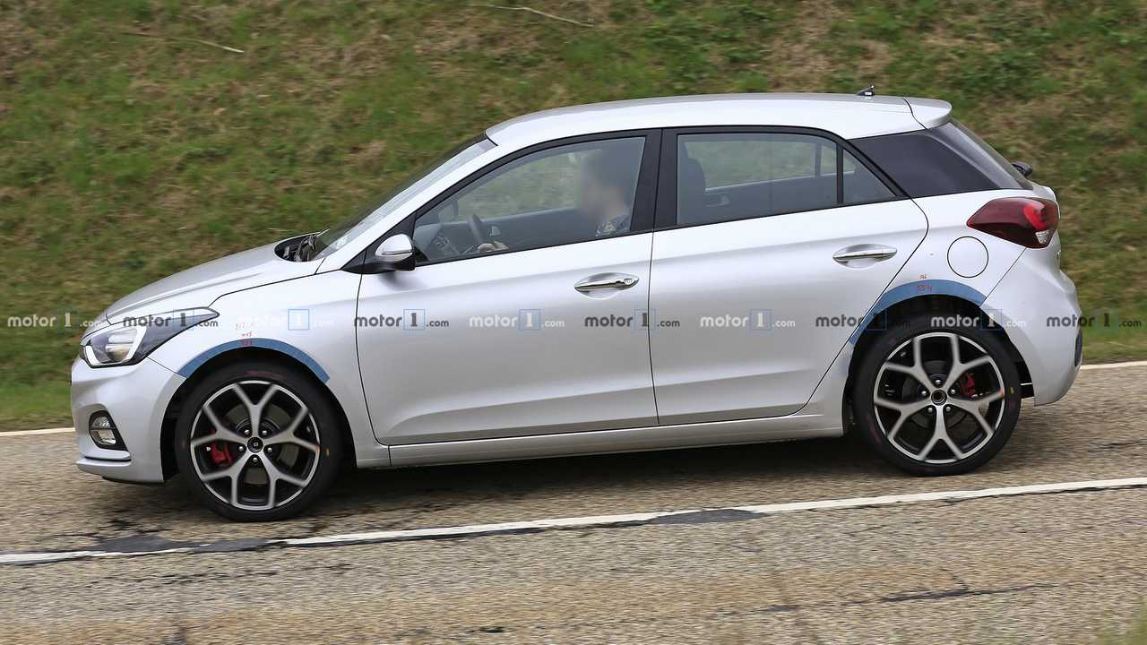 Hyundai i20 N test aracı casus fotoğraflar