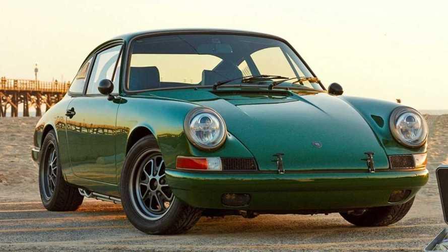 Com'è una Porsche 911 del 1968 con il powertrain di una Tesla Model S?