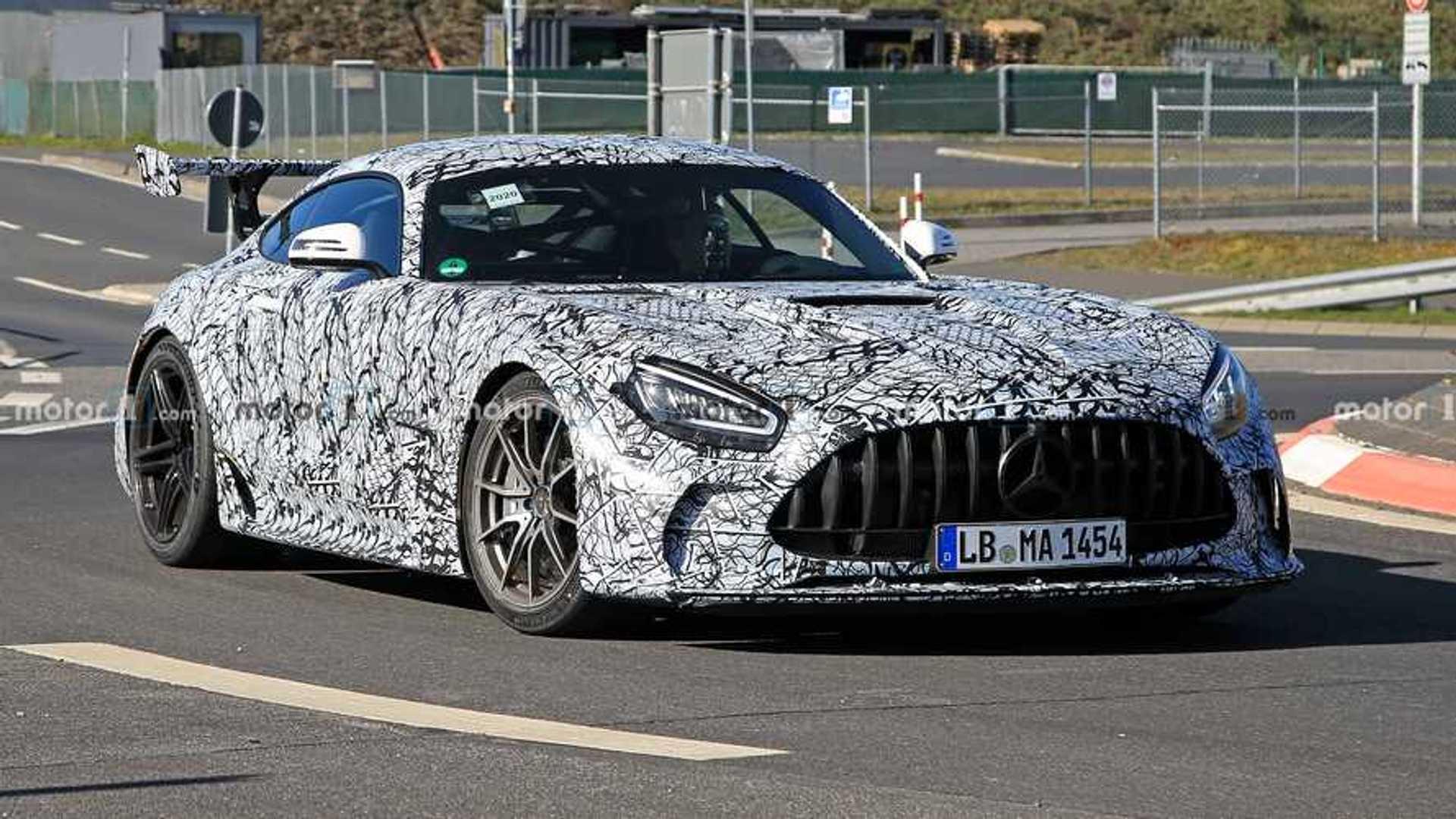 Новые шпионские фото Mercedes-AMG GT Black Series