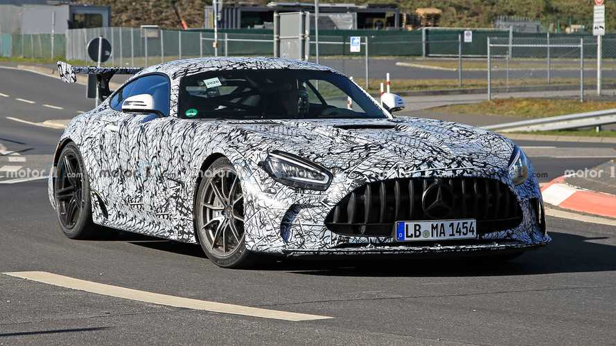 Названа примерная дата дебюта хардкорного Mercedes-AMG GT
