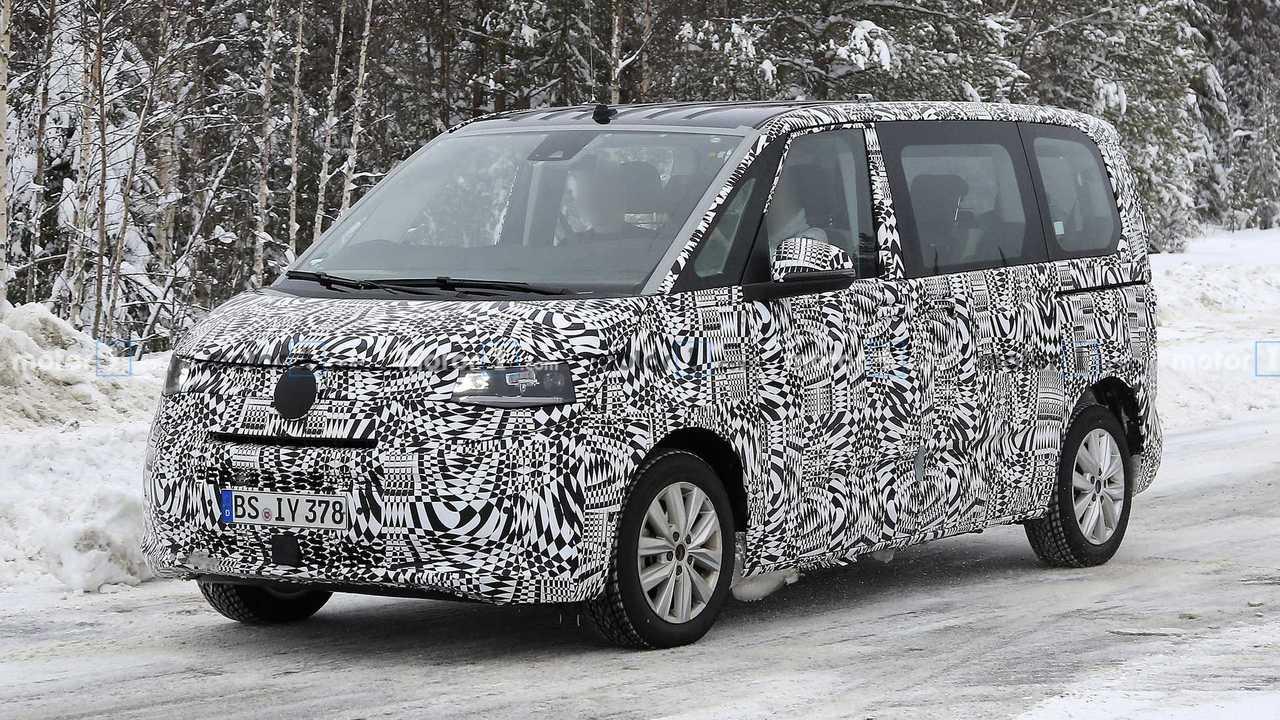 Volkswagen T7 Multivan casus fotoğraf