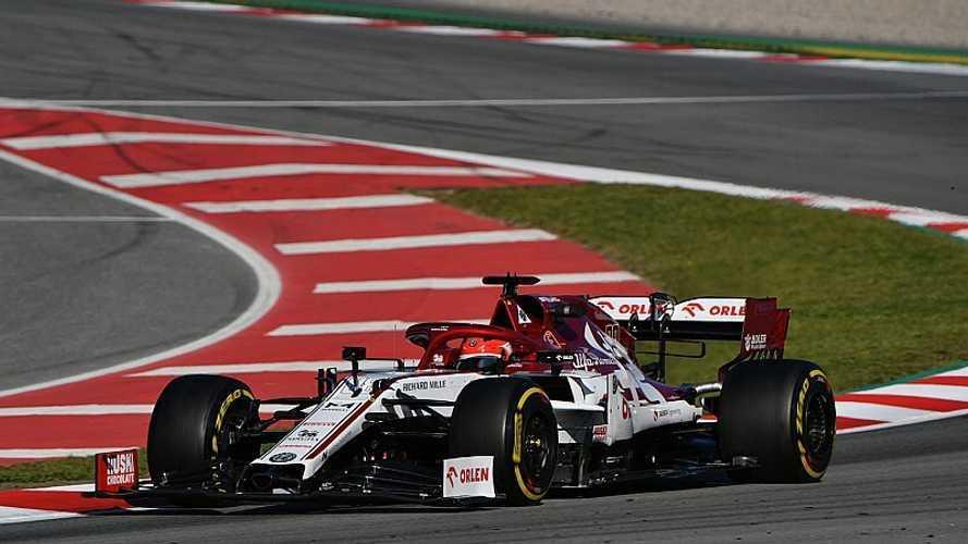 Kubica mantiene el liderato; Mercedes y Ferrari, de maratón