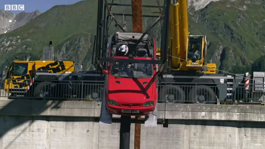 Watch Top Gear Kick Off Series 28 With A Bonkers Car Bungee Jump