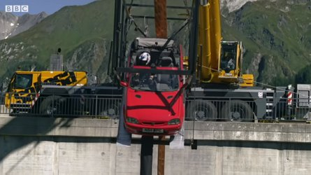 Watch Top Gear kick off Series 28 with a car bungee jump
