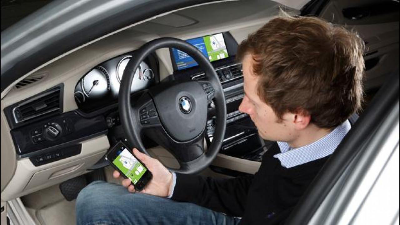 [Copertina] - BMW studia la comunicazione avanzata tra l'automobile e internet