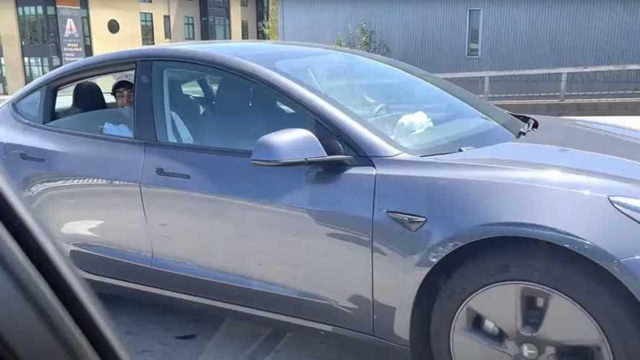 Tesla Model 3 hátsó ülés