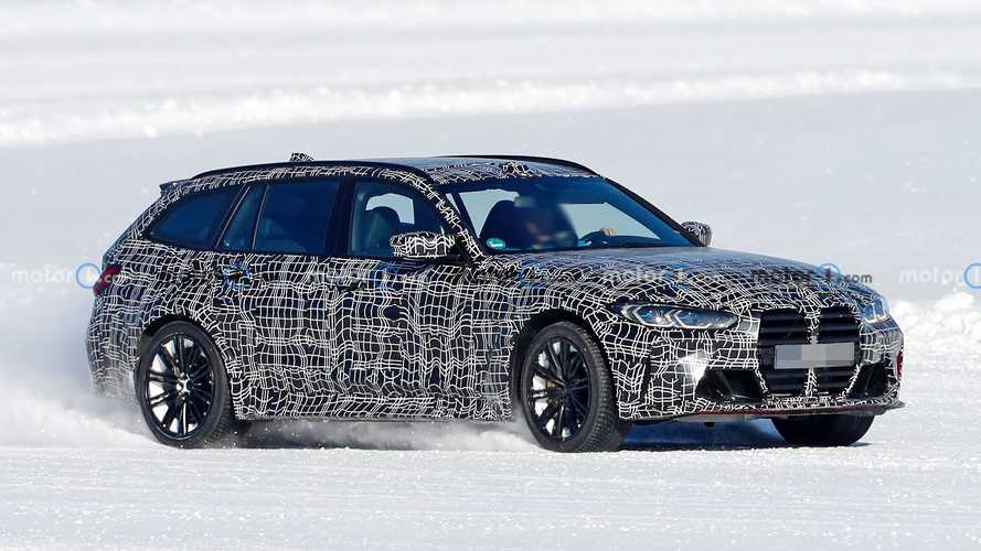 BMW M3 Touring prototype caught playing in the snow