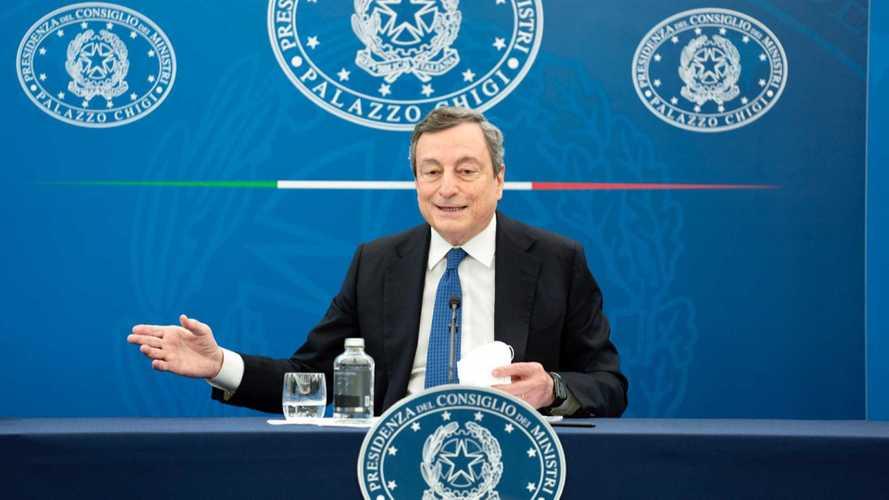 Il piano del Governo Draghi per l'auto elettrica: si parte dalle colonnine