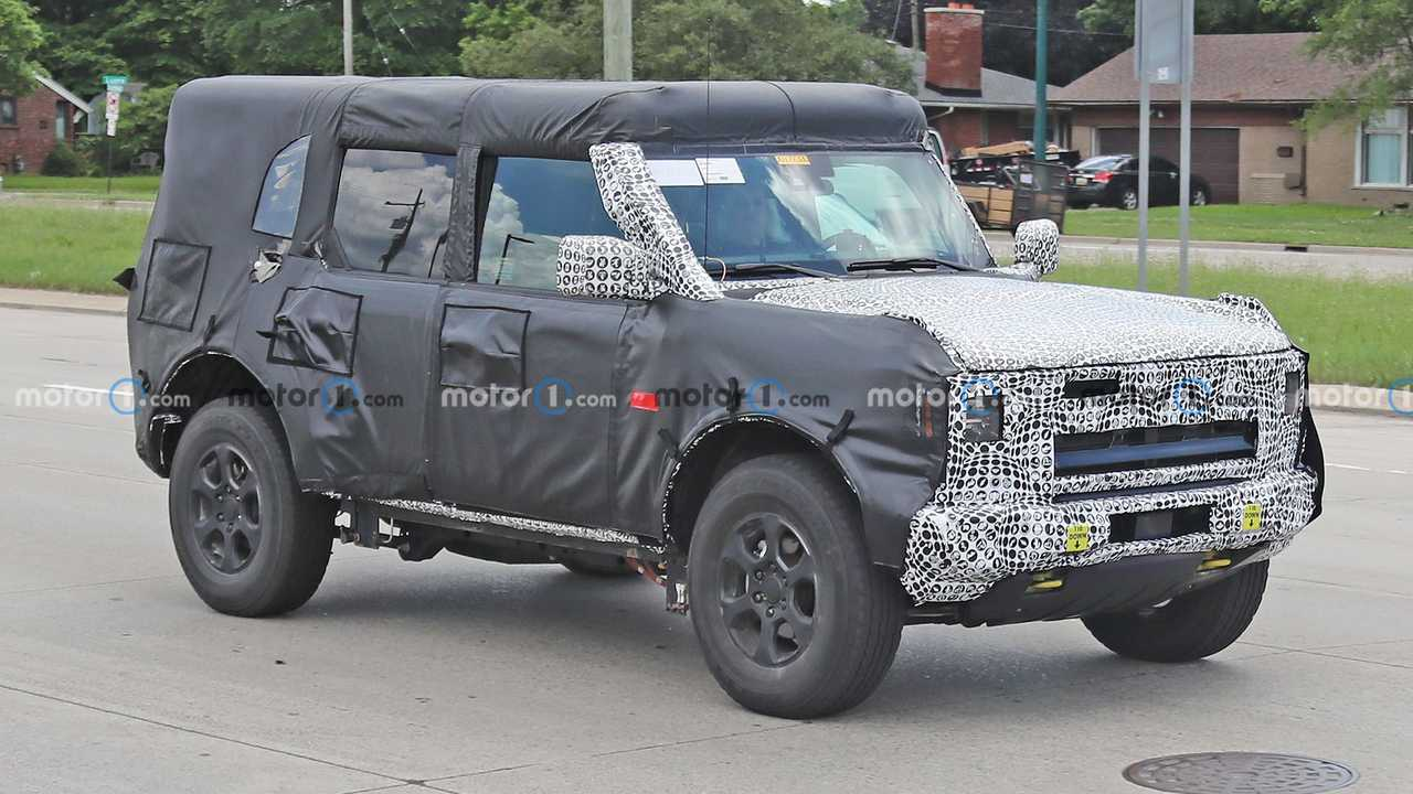 This heavily camouflaged Ford Bronco looks different from previous spy shots.