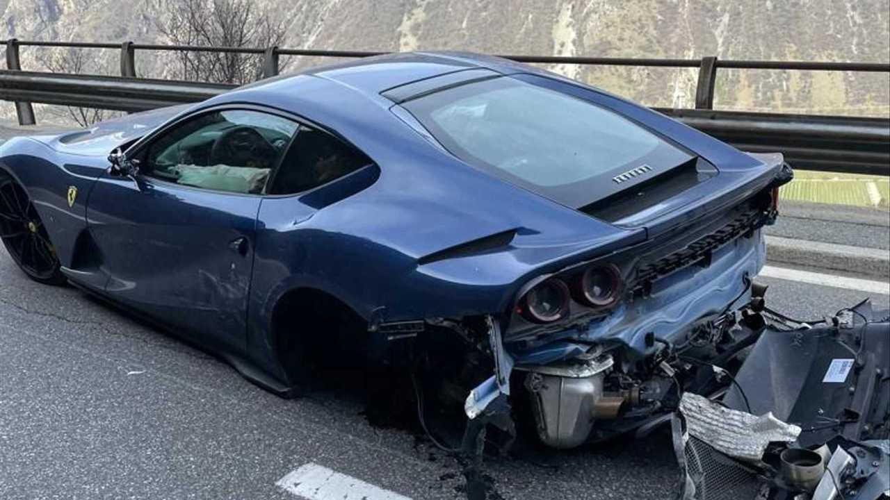 Accidente de un Ferrari 812 Superfast en Suiza