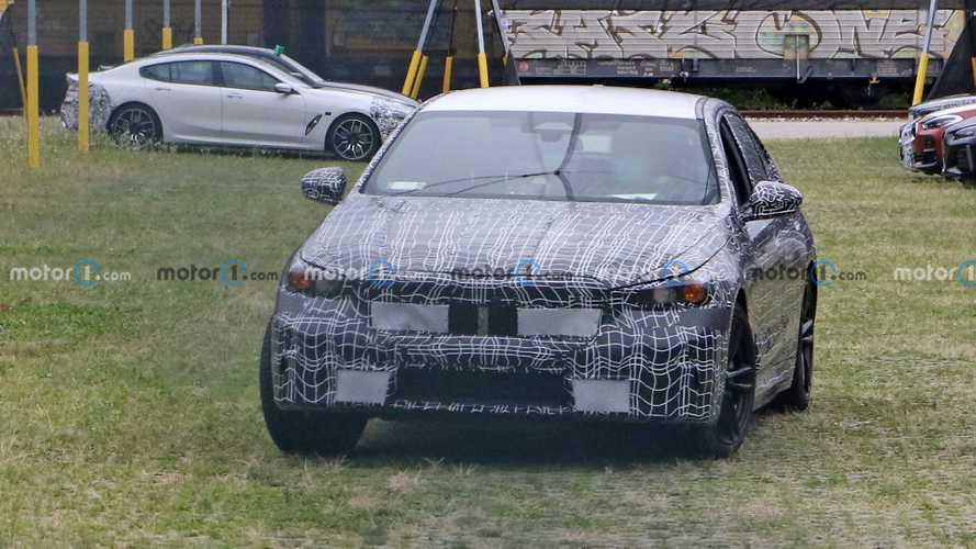Next-generation BMW 5 Series Sedan first spy photos