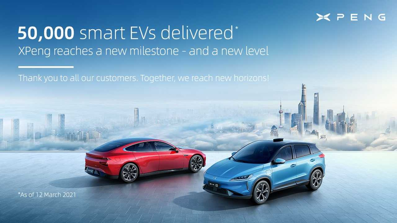 50,000 Xpeng EVs delivered (from left: Xpeng P7 and G3)