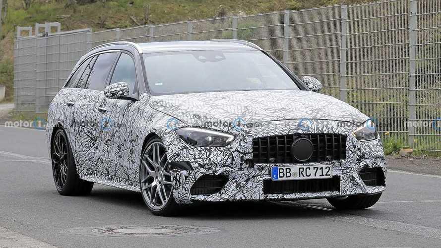 Mercedes-AMG C 63 T-Modell (2022) mit weniger Tarnung erwischt