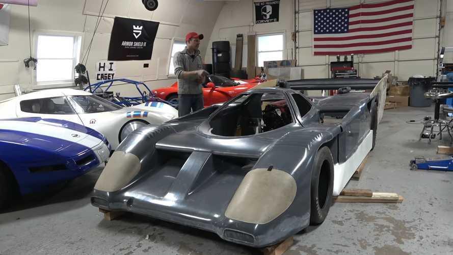 Saját szuperautót épít egy Dodge Viper alapjaira egy szerelő